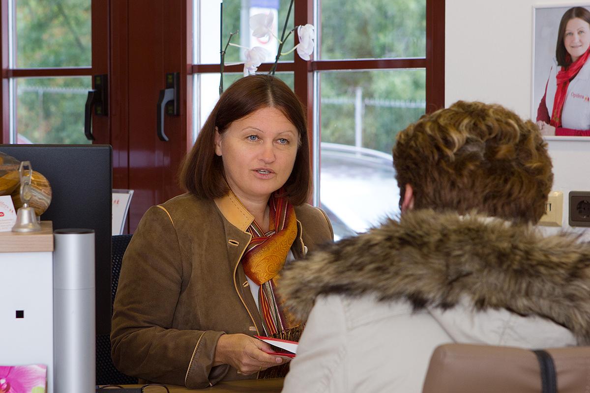 Maria Neuberger im Beratungssgespräch